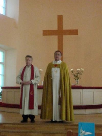 Juhlajumalanpalveluksen suorittu arkkipiispa Jukka Paarma